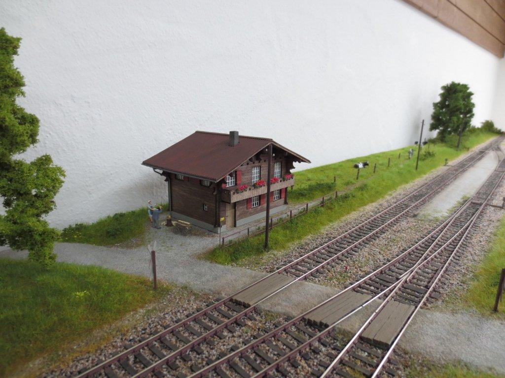 Endbahnhof linthwil page 14 modellbahnforum ch for Schmaler arbeitstisch